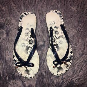 Kate Spade flip flop sandal size 7
